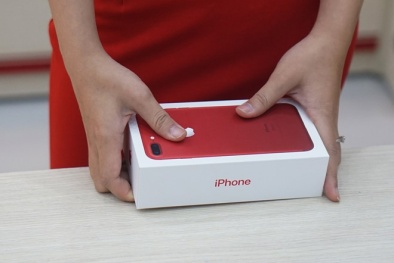 iPhone 7 màu đỏ chính hãng lên kệ bán tại Việt Nam