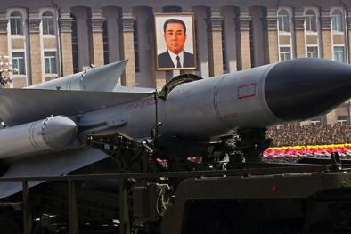 Tên lửa S-200 của Triều Tiên uy lực khủng khiếp khiến thế giới hoang mang
