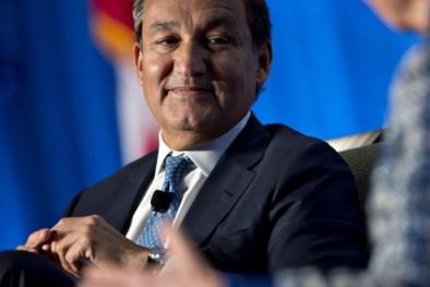 Sau vụ lôi hành khách, CEO hãng bay United Airlines 'lỡ' chức chủ tịch HĐQT