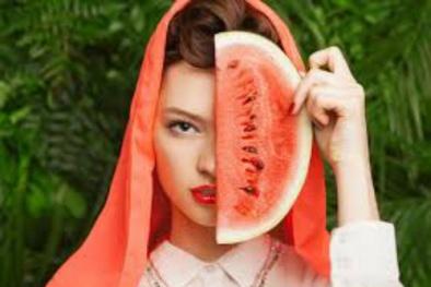 Cải thiện làn da cháy nắng mùa hè từ những trái dưa hấu