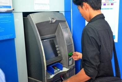 Mỗi thẻ ATM phải 'gánh' bao nhiêu loại phí cơ bản?