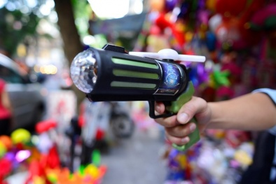 Đồ chơi bạo lực sẽ ảnh hưởng đến tâm lý và tính cách của trẻ