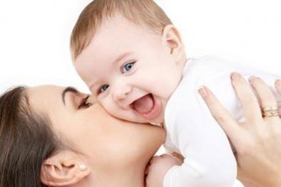 Cha mẹ dùng nước hoa có thể khiến trẻ tử vong