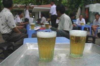 Một quán bia ở Hà Nội ngày nóng kỷ lục: 400 vé xe và nghìn lít bia hết veo