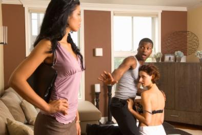 Lý giải nguyên nhân đàn ông ngoại tình dù vẫn yêu vợ