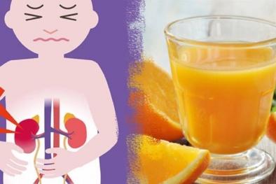 Mẹ khiến con mới 4 tuổi đã sỏi thận vì uống nước cam tươi kiểu này!