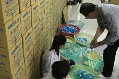 Xử phạt hàng loạt doanh nghiệp kinh doanh nước muối sinh lý bẩn