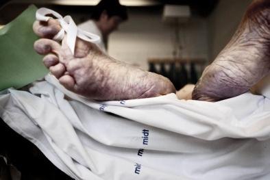 Tác hại kinh hoàng của rượu pha cồn công nghiệp và cách đơn giản để nhận biết