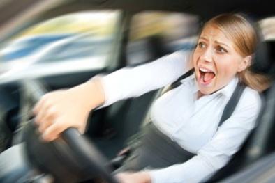 Đạp nhầm chân ga: Cảnh báo gây tai nạn giao thông kinh hoàng