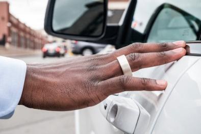 Chiếc nhẫn thông minh có thể thay thế chìa khóa xe, ví tiền