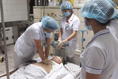Chạy thận ở Hòa Bình 8 người tử vong: Các bác sĩ nói gì về chất rất độc trong nguồn nước