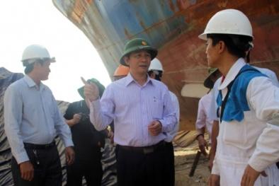 Lãnh đạo tỉnh Bình Định 'thúc' doanh nghiệp đẩy nhanh tiến độ sửa tàu vỏ thép