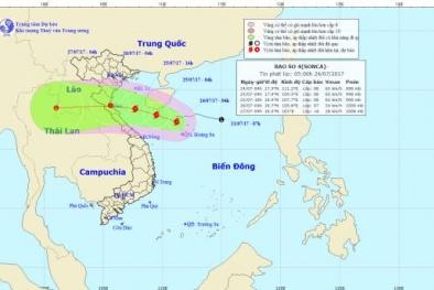 Bão số 4 tiến sát đất liền gây mưa to đến rất to cho các tỉnh miền Trung
