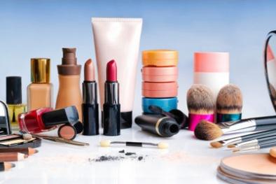 8 mỹ phẩm do Overseas Fashions nhập khẩu có công thức không đúng công bố