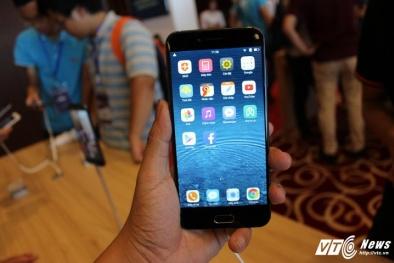 Cận cảnh mẫu điện thoại Bphone 2017 của Bkav, giá gần 10 triệu đồng