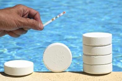 Nước bể bơi có nguy cơ gây ung thư cho người tiếp xúc