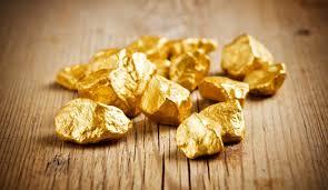 'Buồn tay', nhân viên nhặt luôn 2 cục vàng 14,5 kg giá hơn nửa tỷ của ông chủ