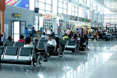 Bộ GTVT tăng giá dịch vụ sân bay: Giá vé máy bay sẽ tăng?