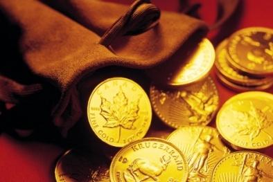 Giá vàng hôm nay ngày 16/8: Vàng 'đổ dốc', nhà đầu tư đua nhau bán tháo
