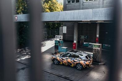 Lộ diện mẫu SUV cỡ nhỏ BMW X2 trong lớp áo rằn ri trước ngày ra mắt