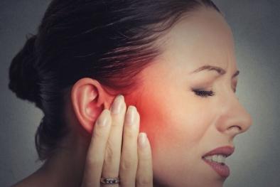 Mất thính giác, vỡ mạch máu, tử vong nếu nhịn hắt hơi