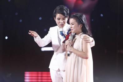 The Voice Kids: Cô bé 14 tuổi mở màn tập 2 khiến cả trường quay lắng đọng khi hát tặng em mình
