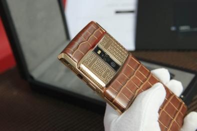 Chiếc điện thoại Vertu 'độc nhất thiên hạ' giá gần 1 tỷ đồng xuất hiện ở Việt Nam có gì hay?