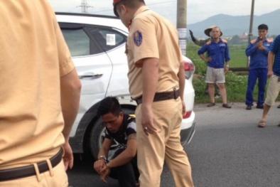 Uông Bí: 'Xe điên' gây náo loạn đường phố, đâm bung cả đầu xe Cảnh sát giao thông