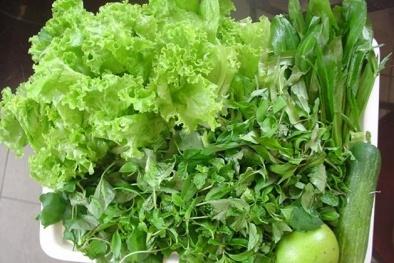 Ổ giun sán trong bụng vì 'nghiện' ăn rau sống