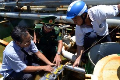 Phát hiện lượng xăng khổng lồ không rõ nguồn gốc trên tàu Sunrise 689 tại vịnh Cam Ranh