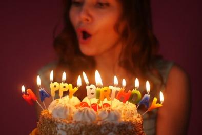 Không thể tin nổi - Thổi nến sinh nhật lại cực kỳ nguy hiểm