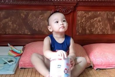 Sữa bột thật - giả lẫn lộn, mẹ cần làm gì để bảo vệ bé?