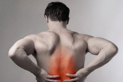 Đau lưng ở nam giới và hàng loạt bệnh 'chết người' đang trực chờ
