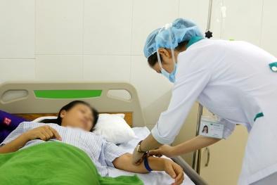 9 du khách nghi bị ngộ độc thực phẩm phải nhập viện cấp cứu ở Đà Nẵng