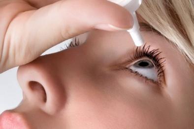Biến chứng cực kỳ nguy hiểm nếu tự ý mua thuốc nhỏ mắt khi đau mắt đỏ