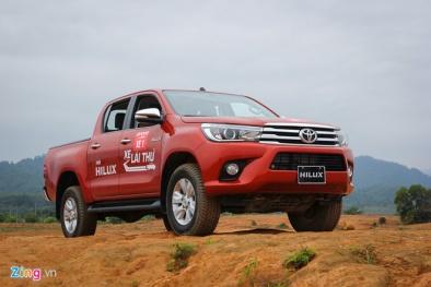 Toyota Hilux gặp khó: Cả tháng 9/2017 chỉ bán được 4 chiếc