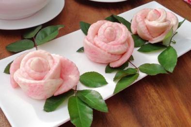 Hoa hồng 'ăn được' tái xuất hút khách Hà thành dịp 20/10