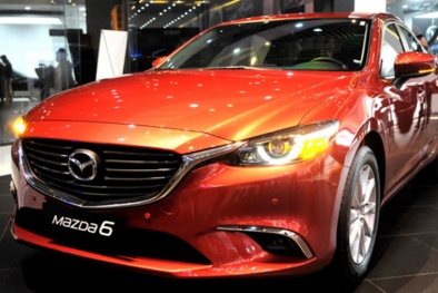 Tháng 10/2017: Mazda 6 giảm giá 'khủng', quyết chiến với Toyota Camry