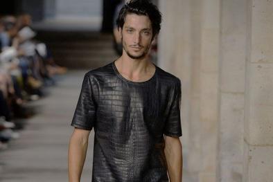 'Dung nhan' chiếc áo giá hơn 2,2 tỷ bằng căn chung cư 'xịn' của Hermes