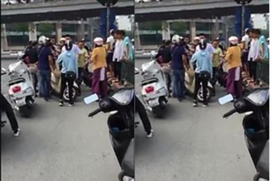 Xôn xao clip một thanh niên lao xe máy vào để chặn cướp