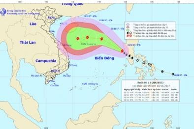 Tin bão số 13 tiến gần Biển Đông, sức gió giật cấp 12