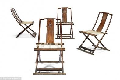 Tiết lộ lý do bộ bàn ghế gỗ 'cũ rích' được bán giá 160 tỷ đồng