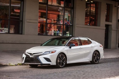 Toyota Camry 2018 giá 400 triệu đồng mới ra mắt đang gây 'sốt' thị trường
