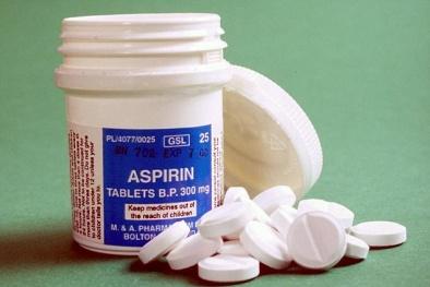 Trẻ có nguy cơ bại não nếu người mẹ sử dụng aspirin trong thai kì
