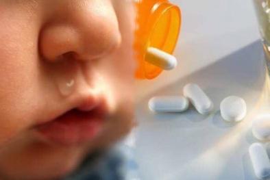 Con ho đờm, hắt hơi, sổ mũi... mẹ lập tức dùng kháng sinh là hại con