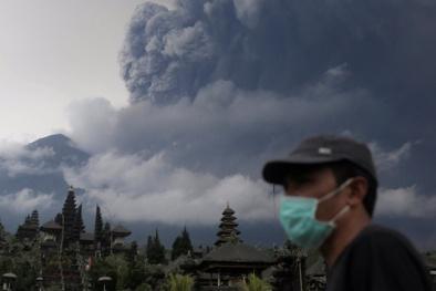 Tin mới nhất về núi lửa hoạt động ở Indonesia và 24 người Việt mắc kẹt tại Bali