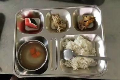 Hải Phòng: Bữa ăn bán trú bị bớt xén và lời nói dối vụng về của Hiệu trưởng