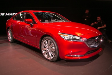 Mazda 6 2018 ra mắt, cạnh tranh trực tiếp với Toyota Camry