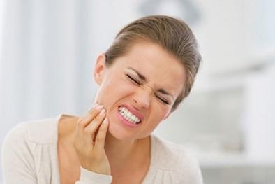 Vi khuẩn miệng gây bệnh nướu làm tăng nguy cơ ung thư thực quản