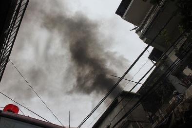 Hà Nội: Cháy quán cà phê, nhiều người được giải cứu